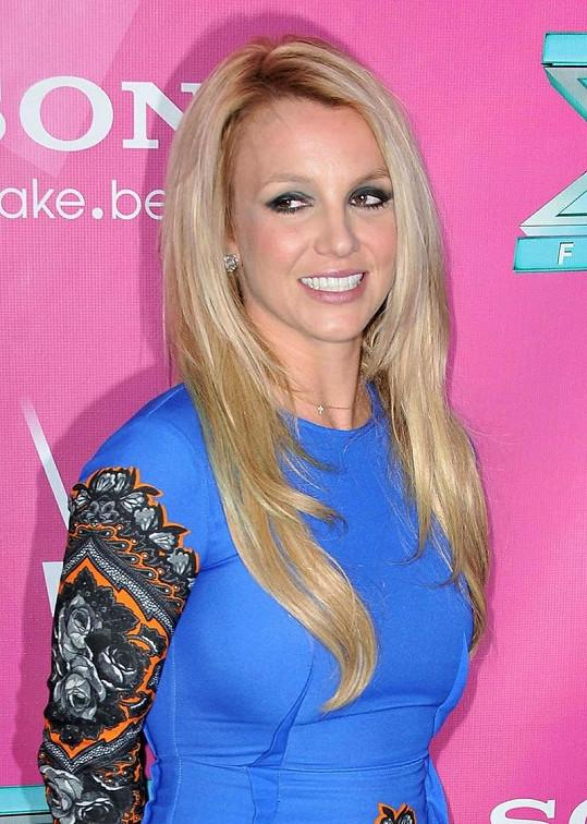 Britney Spears na párty X Factoru.