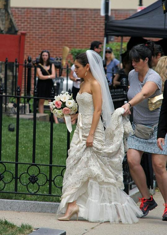 Nevěsta Mila Kunis.