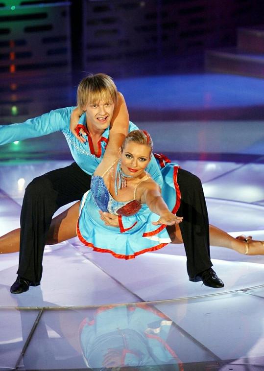 Lucie Borhyová tanec miluje.