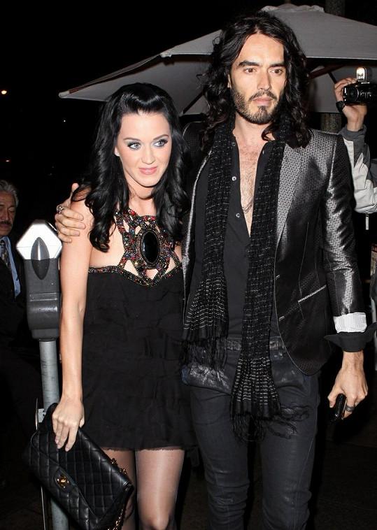 Manželé Katy Perry a Russell Brand v době, kdy prožívali chvíle štěstí.