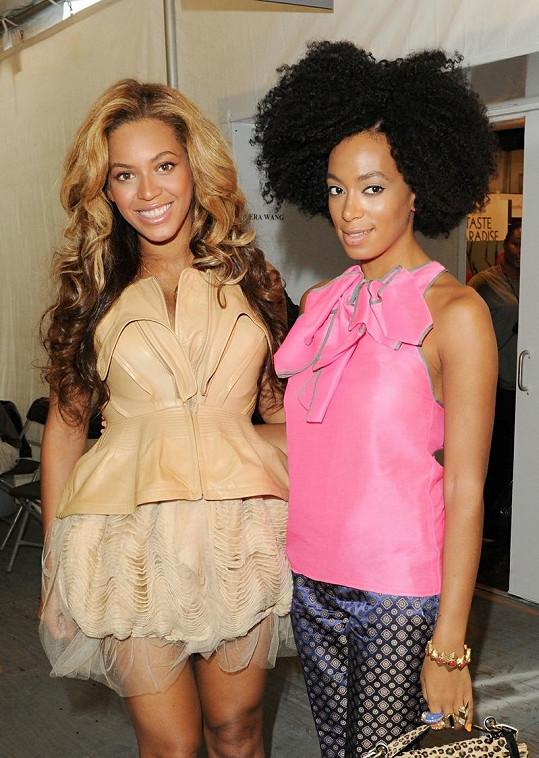 Beyoncé a Solange Knowles.