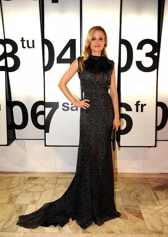 Aimee Mullins je světově uznávanou atletkou i modelkou.