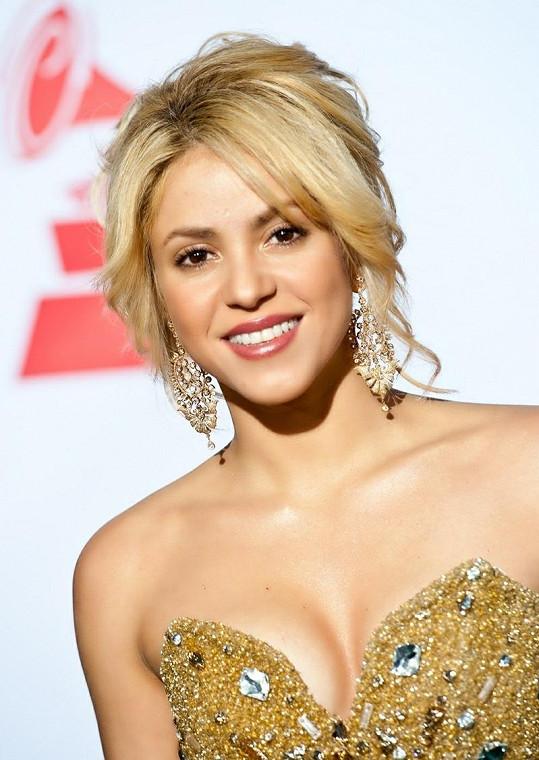 Shakira je podle jejího partnera novopečenou maminkou.