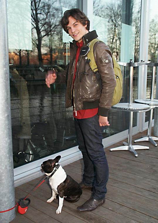 Na akci vystoupil také David Kraus s kapelou. Svého psa Huga kvůli hluku nechal uvázaného venku.