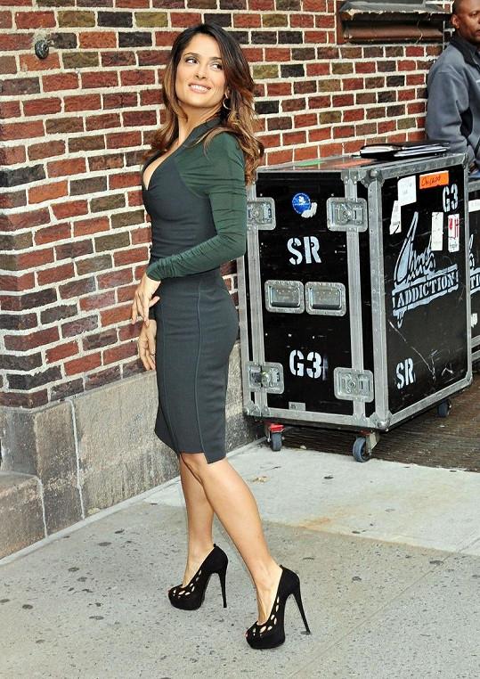 Salma Hayek má na svůj věk obdivuhodnou postavu.