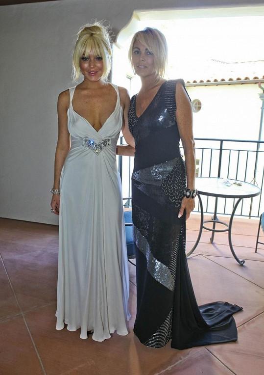 Lindsay s maminkou Dinou.