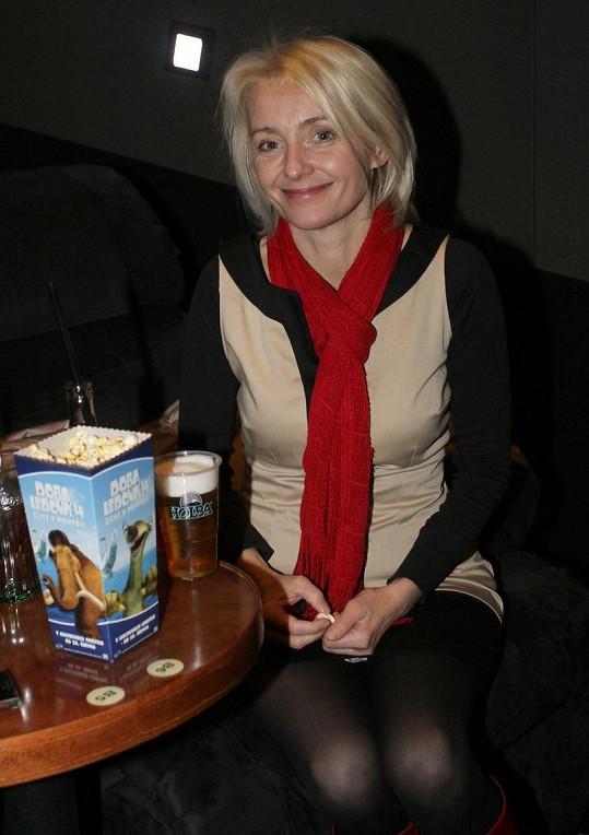 Veronika Žilková tentokrát pózovala způsobně.
