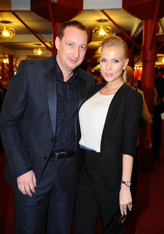 Michal a Michaela na premiéře Bídníků.