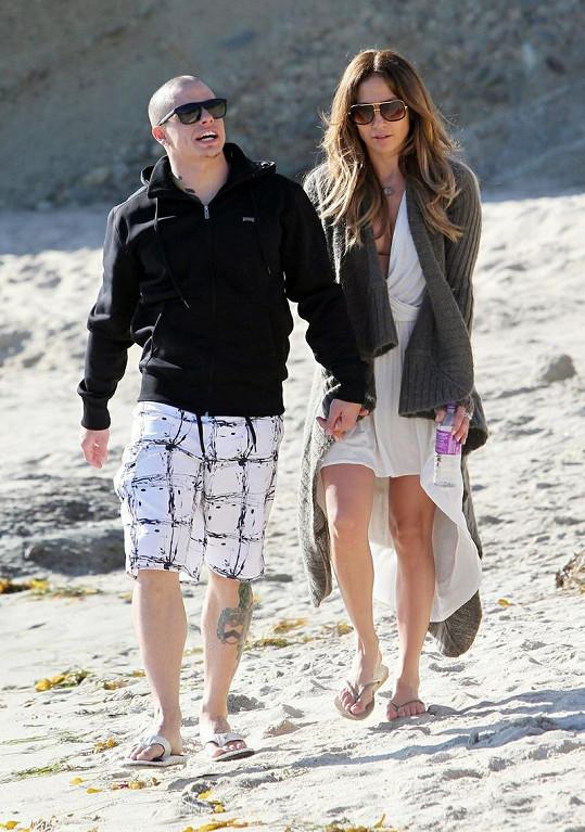 Zamilovaná dvojice v Santa Barbaře na svatého Valentýna.