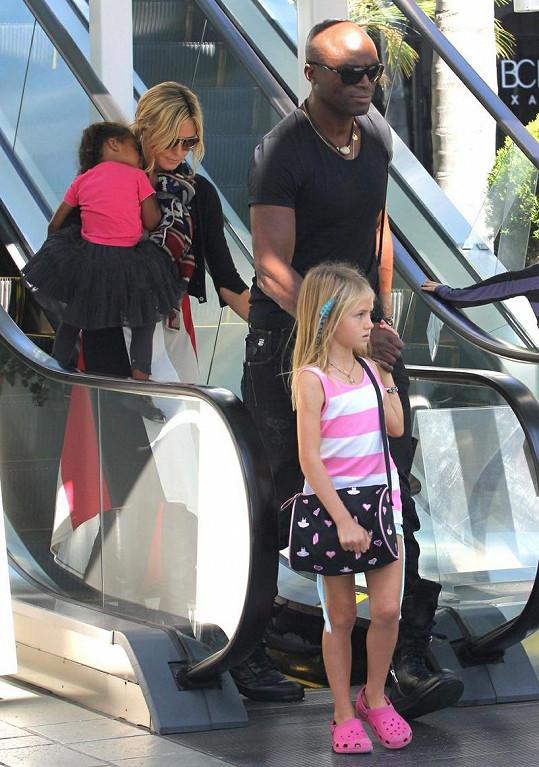 Heidi s manželem a jejich dětmi.
