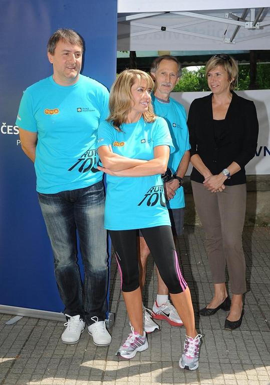 Pavlína s přítelem v běžeckém s patronkou akce Kateřinou Neumannovou.