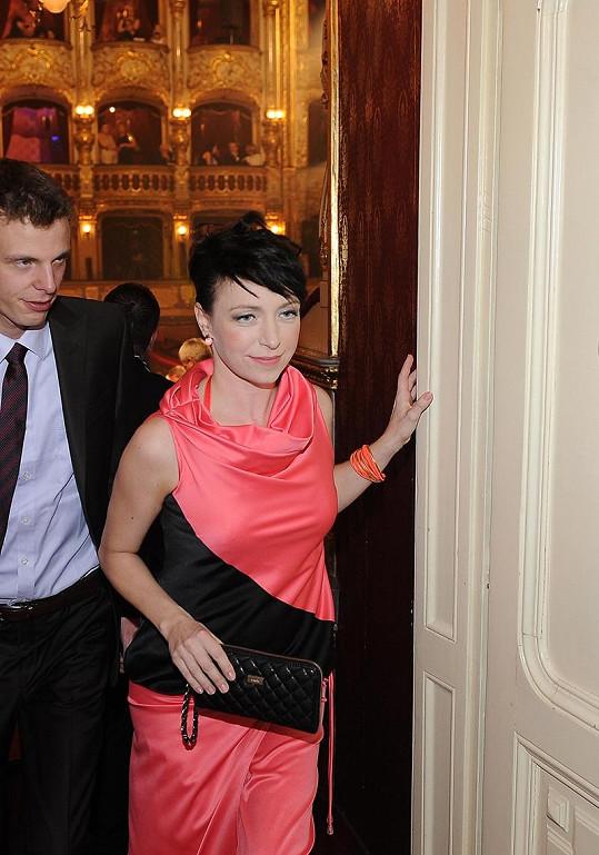 Tatiana pózovat fotografům nechtěla.