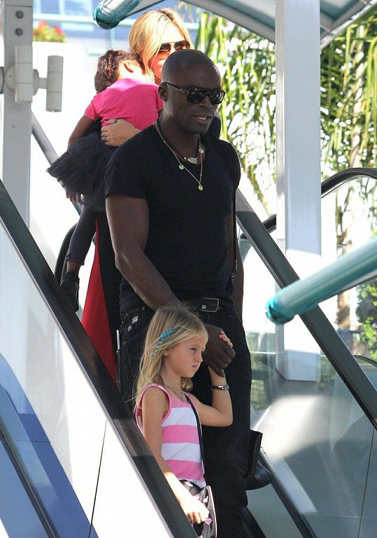 Manželé Heidi Klum a Seal s dcerami Leni a Lou.