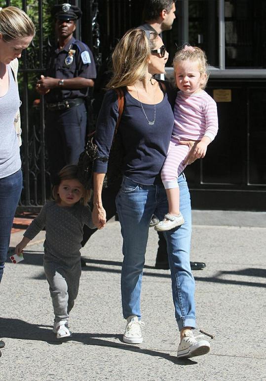Sarah Jessica s Tabithou a Marion v náručí.