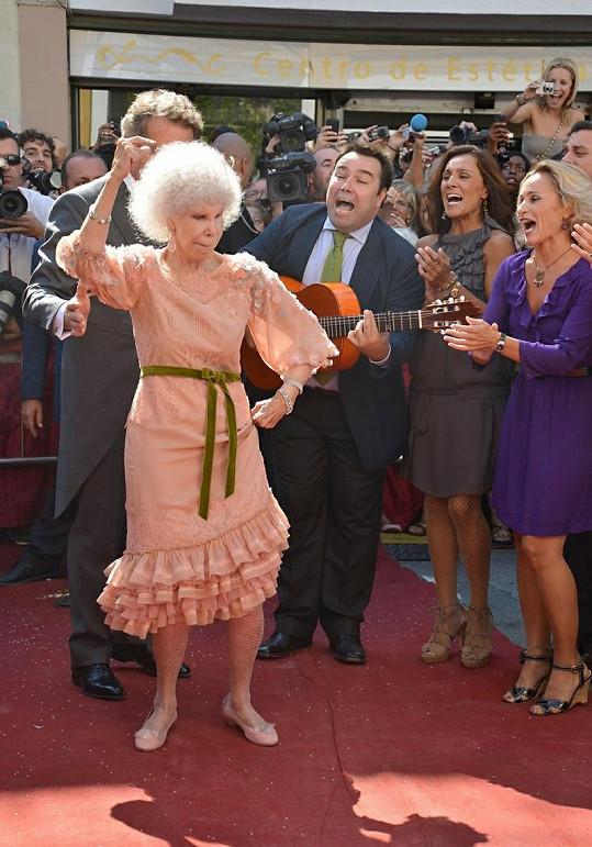 Vévodkyně na své svatbě tančila jako zamlada.