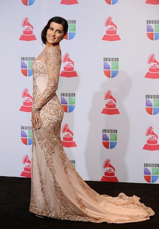 Nelly Furtado na předávání Latin Grammy Awards 2012.