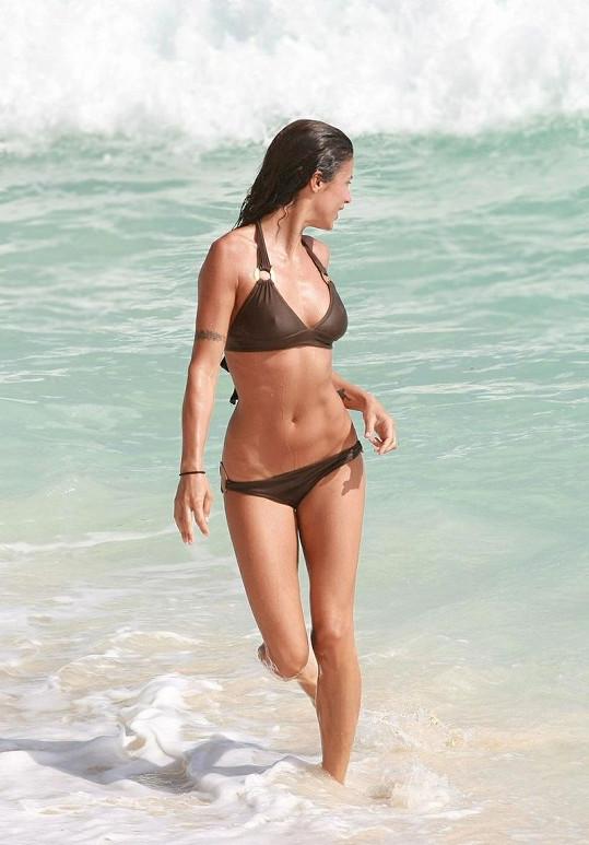 Modelka Elisabetta Canalis má dokonalou postavu.
