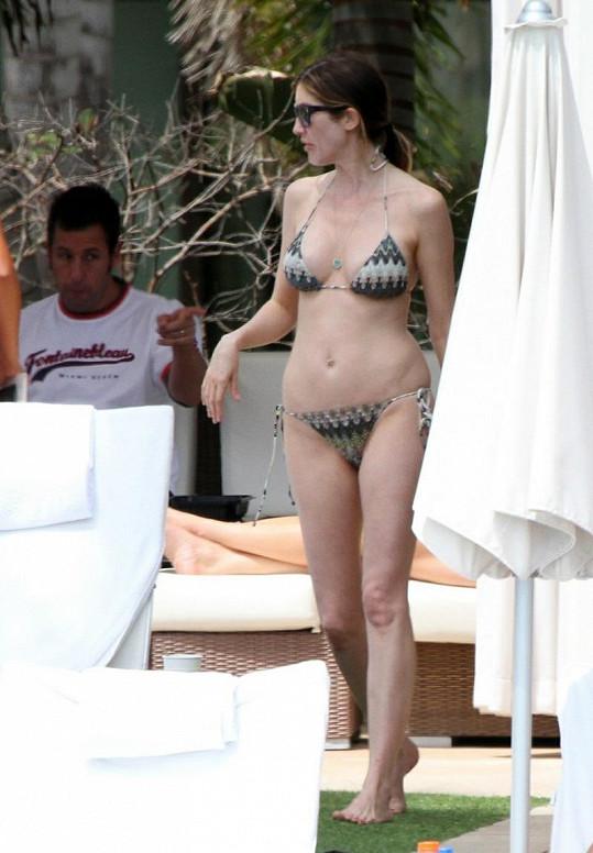 Adam Sandler stále mlsně pokukuje po své manželce Jacqueline.