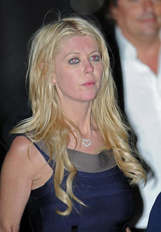 Tara Reid měla po party na jachtě nepřítomný pohled.