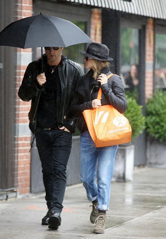 Justin Theroux a Jennifer Aniston v New Yorku.