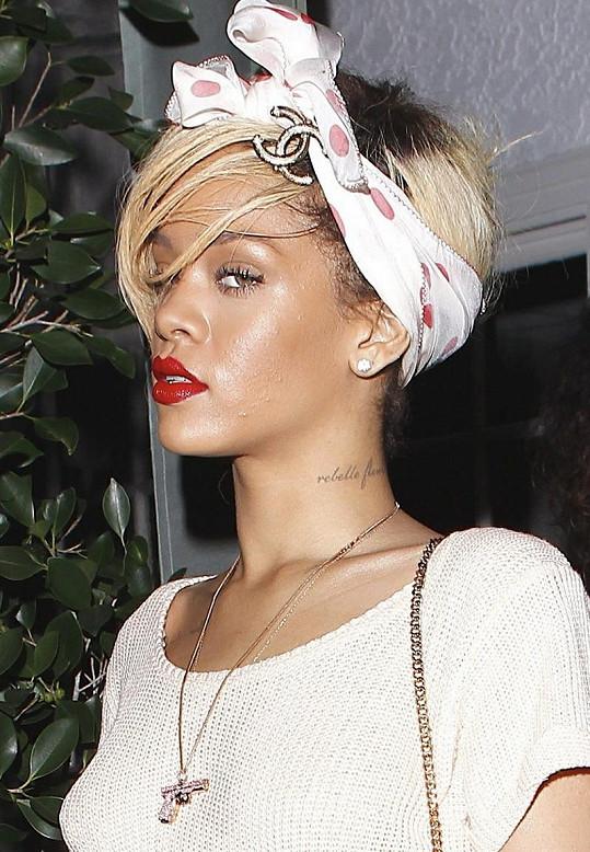 Rihanna odchází od Ashtona.