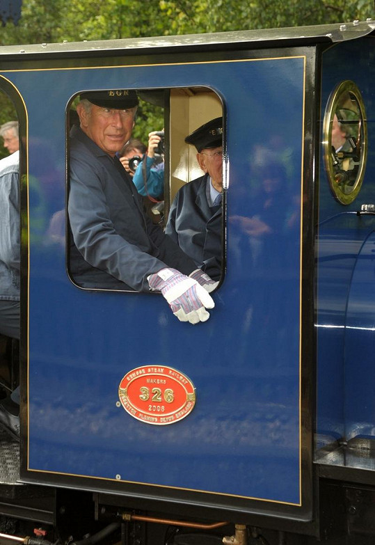Princ Charles se stal mašinfírou.