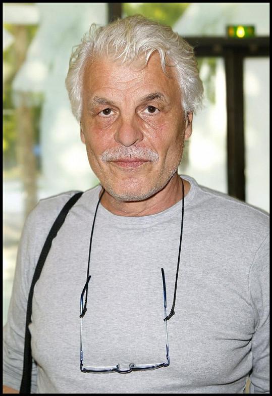 Takto dnes vypadá legendární italský herec Michele Placido.