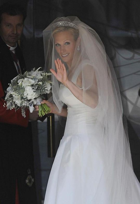 Elegantní Zara Phillips jako nevěsta.