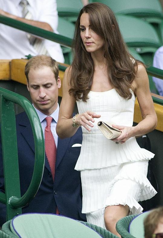 Kate se díky svému vybranému vkusu stává módní ikonou stejně jako princezna Diana.