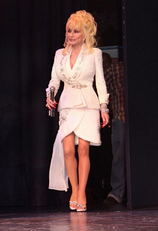 Zpěvačka Dolly Parton se stala vzorem pro malou dívenku.
