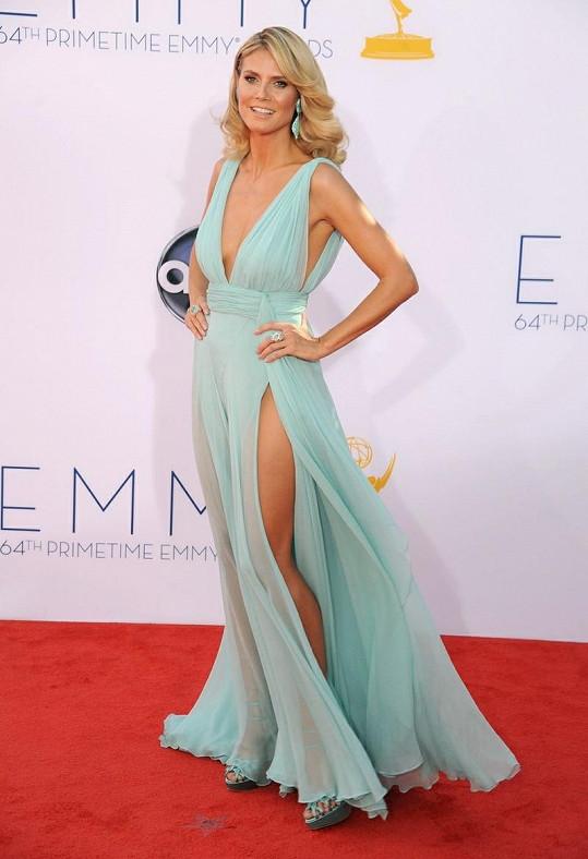 Heidi Klum v překrásné róbě okouzlila všechny přítomné.