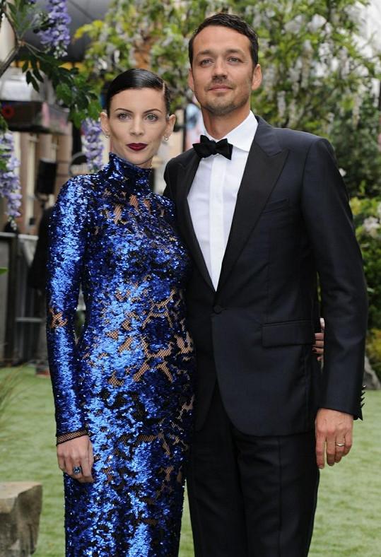 Rupert Sanders se svou manželkou Liberty Ross.