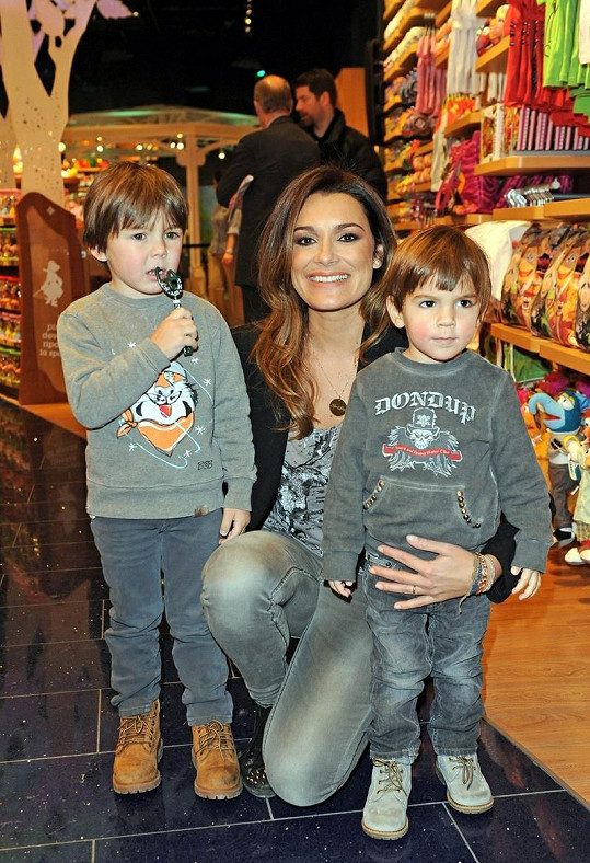 Okouzlující Alena Šeredová byla čestným hostem otevírání obchodu Disney v Miláně.