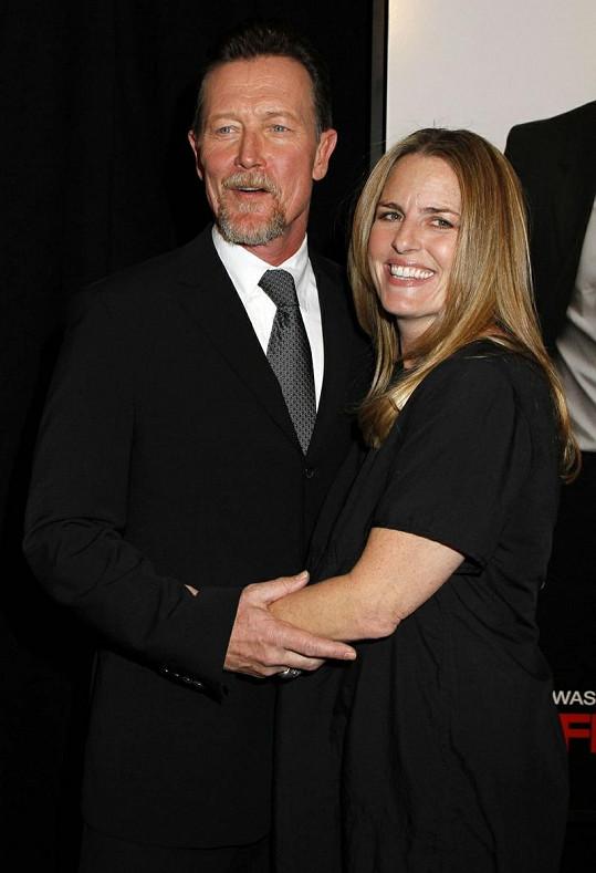 Robert Patrick se svou manželkou Barbarou.