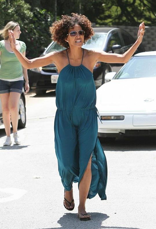 Halle Berry rozčílilo nikdy nekončící slídění fotografů.