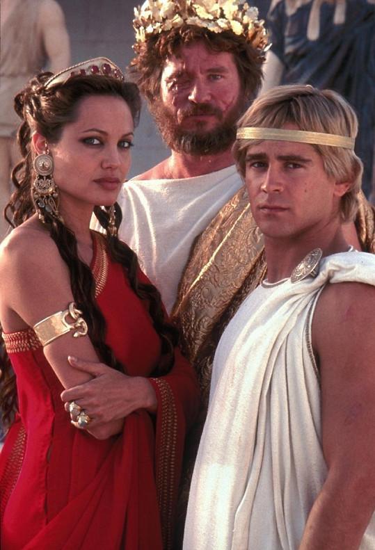 S Angelinou Jolie a Colinem Farrellem v dobrodružném filmu Alexandr Veliký.