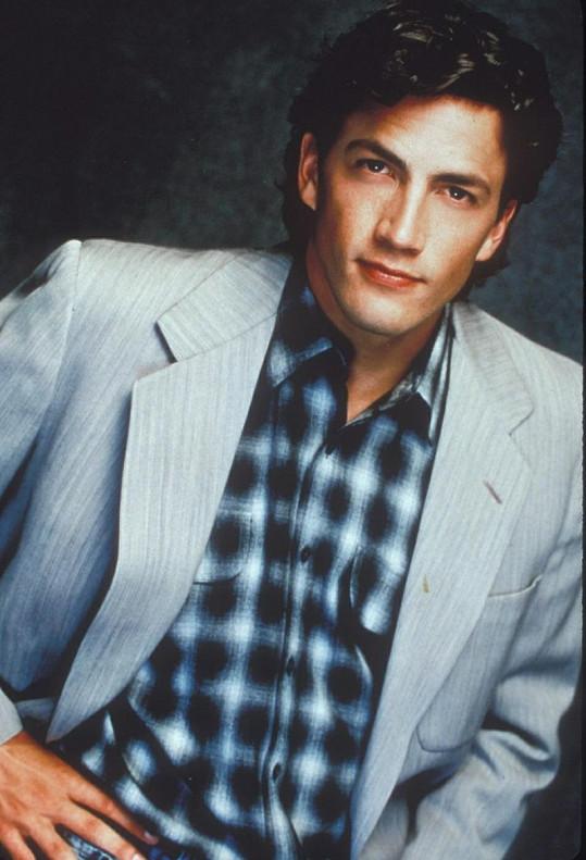 Andrew jako Billy v seriálu Merlose Place.
