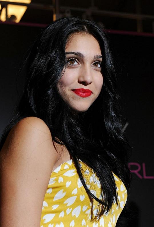 Dcera Madonny je podobná spíš otci Carlosi Leonovi.