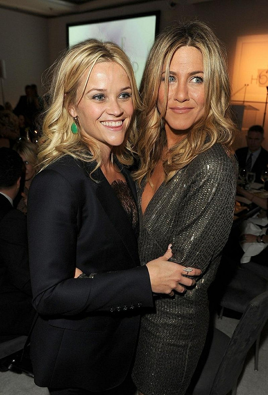 Reese Witherspoon a Jennifer Aniston.