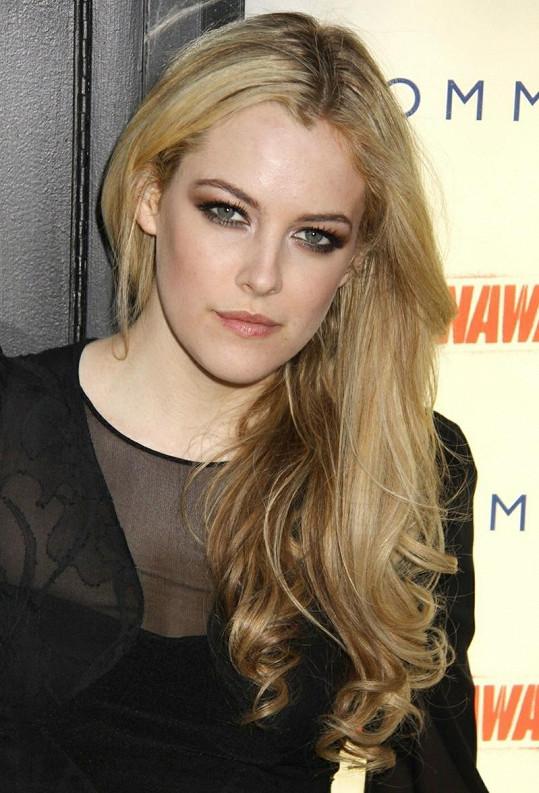 Riley na premiéře filmu The Runaways v roce 2010.