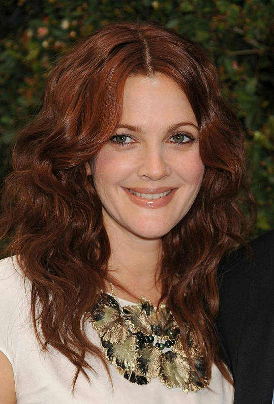 Půvabná herečka Drew Barrymore.