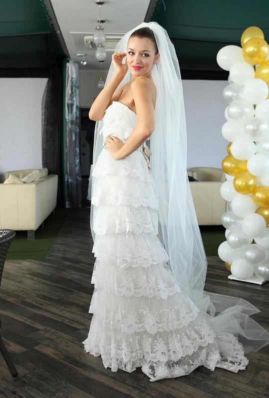 Jitka Válková vypadala ve svatebkách úchvatně.