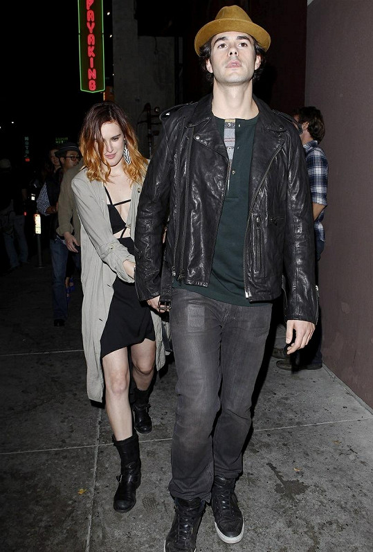 Rumer a její přítel Jayson Blair.