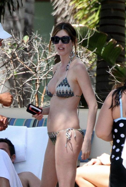 Jacqueline Samantha Titone je manželkou Adama Sandlera.