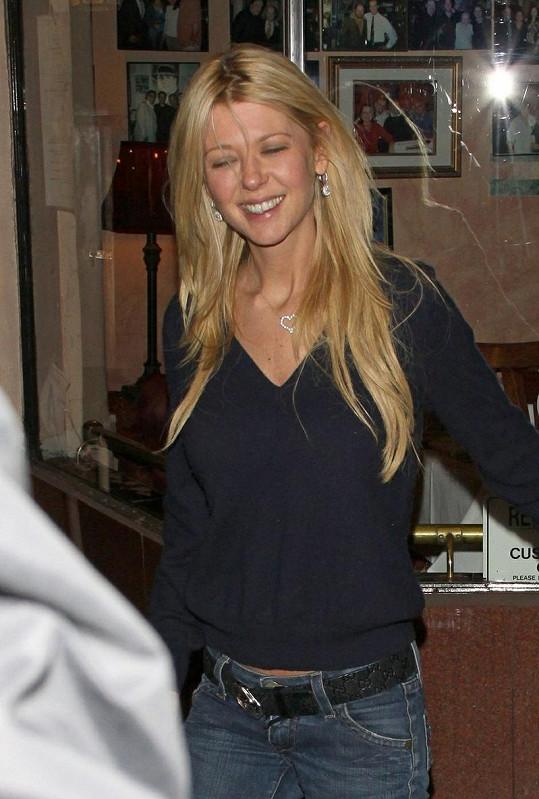 Tara Reid v pondělí, když opouštěla restauraci Carlito's Gardel.