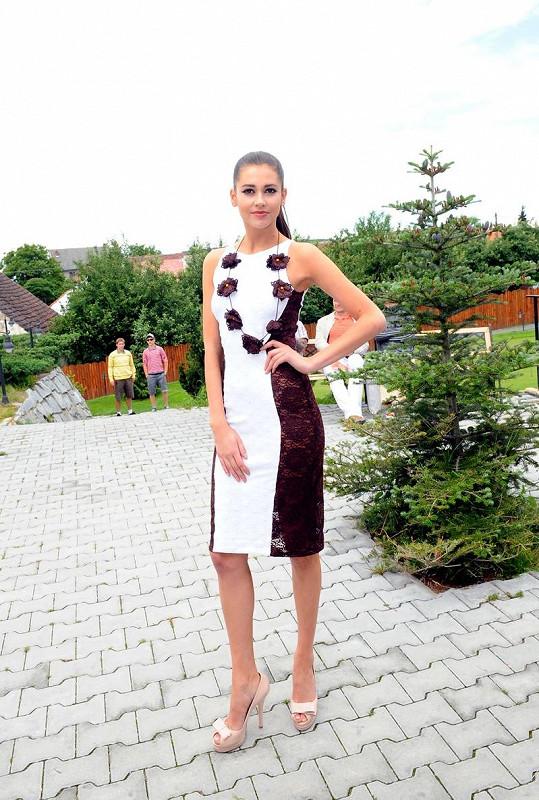 Tyhle šaty měla před Hanou na sobě Andrea Verešová