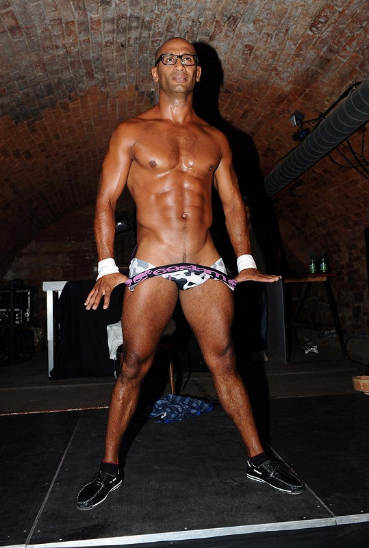 Víc už striptér při americkém striptýzu neukáže.