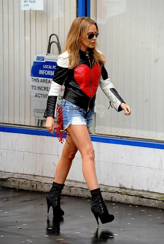 Kylie Minogue je stále jednou z nejoblíbenějších zpěvaček.