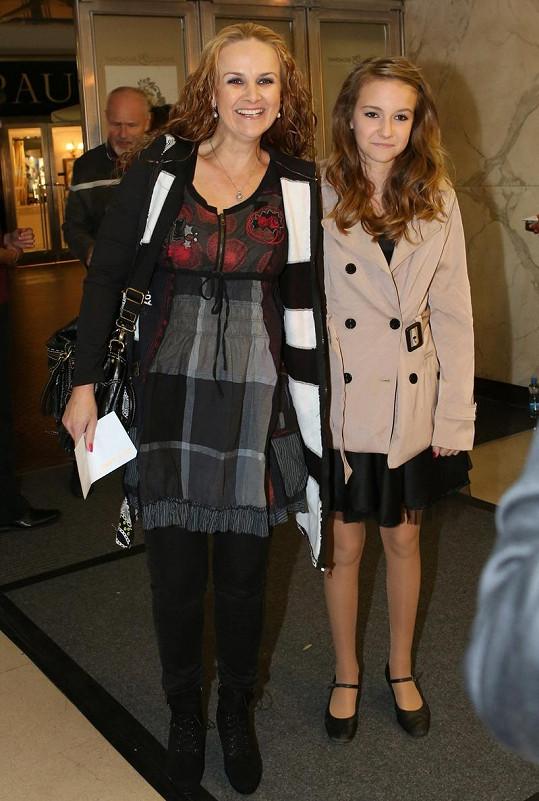 Linda Finková s dcerou Viktorií Genzerovou.
