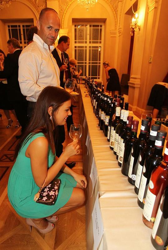 Z tolika vína pohromadě Jitka začala doslova šilhat.